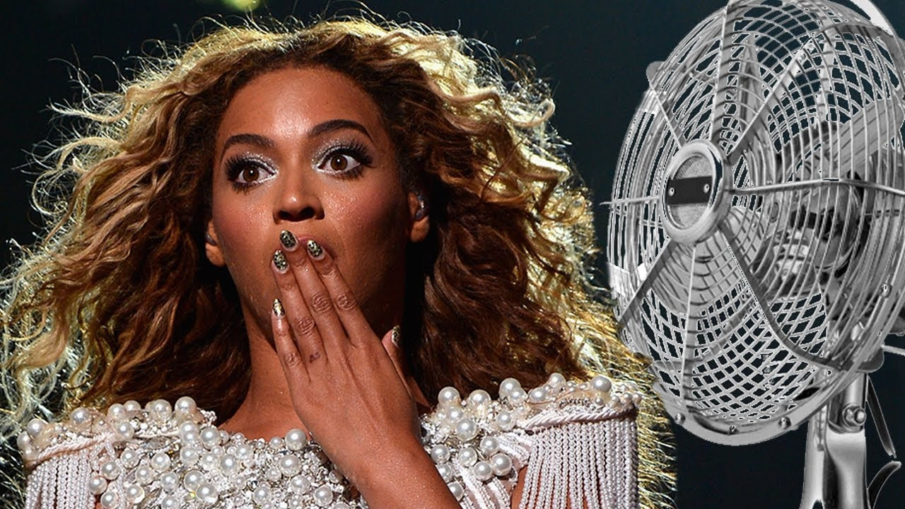10 Celebs and Their Most Embarrassing on Stage Moments ...